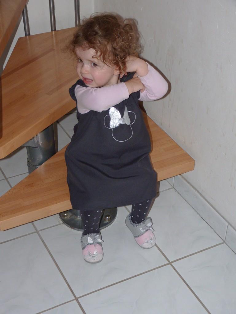 C'est quoi cette robe, je vais pas porter ça !!! P1040010