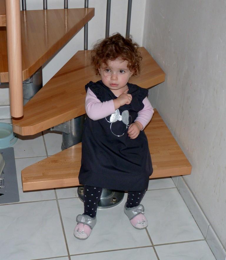 C'est quoi cette robe, je vais pas porter ça !!! P1040011