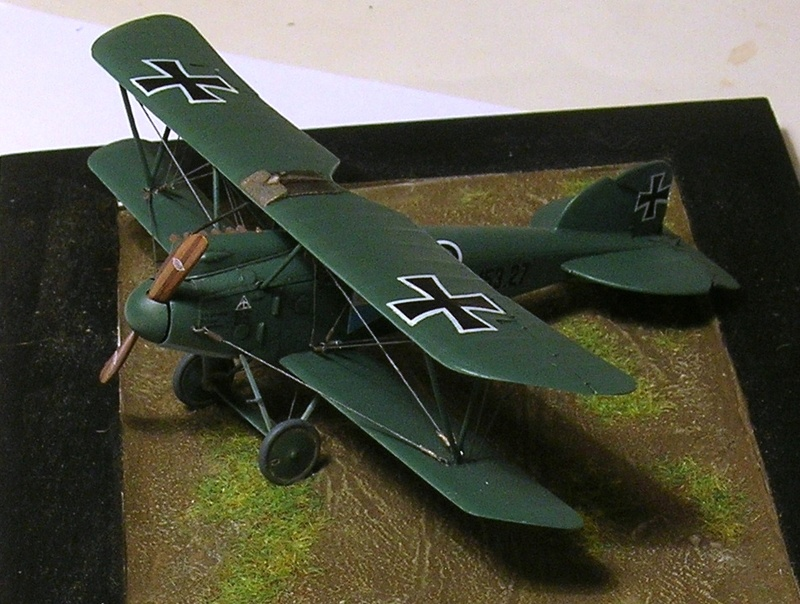 Albatros D-III Oeffag début de série 153 / Roden 1/72 - Page 3 Albatr10