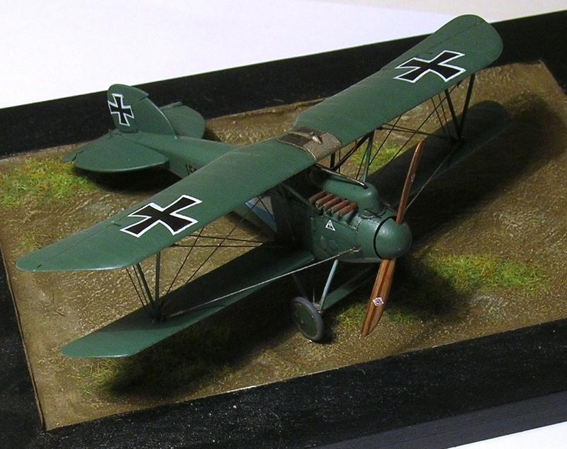 Albatros D-III Oeffag début de série 153 / Roden 1/72 - Page 3 Albatr11