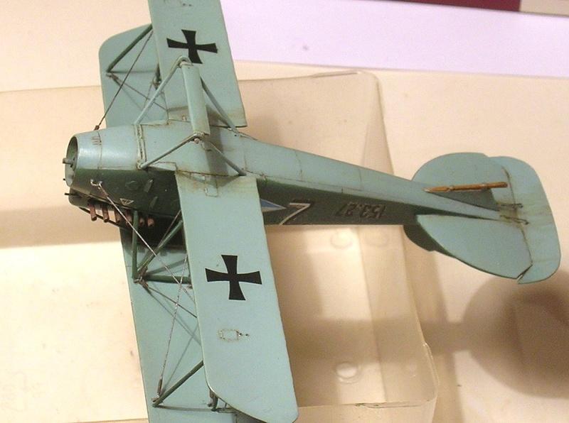 Montage: Albatros D-III Oeffag début de série 153 / Roden 1/72 - Page 2 Montag13
