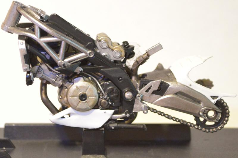 [Moto] Conversion et kit de maquette C_cadr11