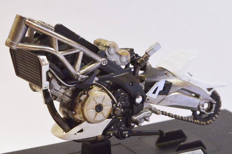 [Moto] Conversion et kit de maquette C_care10