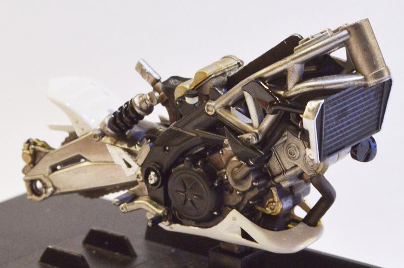 [Moto] Conversion et kit de maquette C_care12