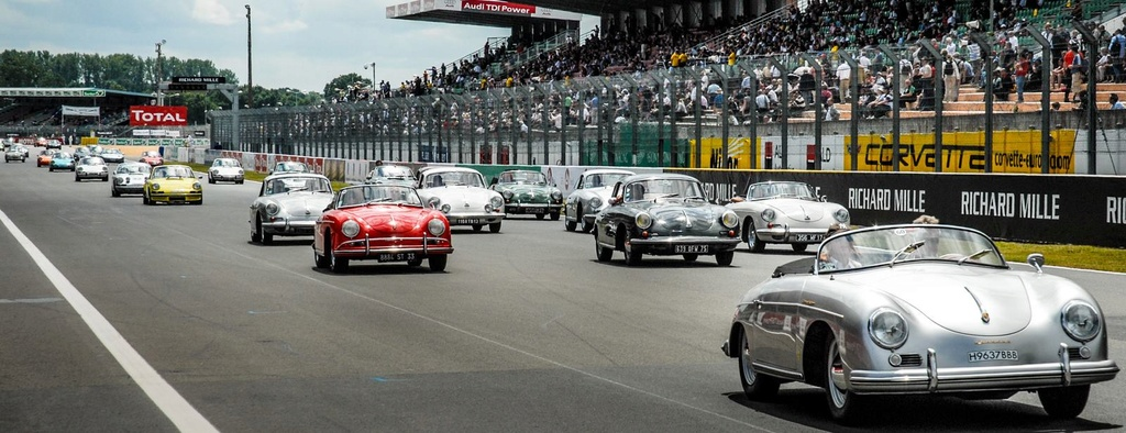 Une Belle photo de Porsche - Page 31 28827810