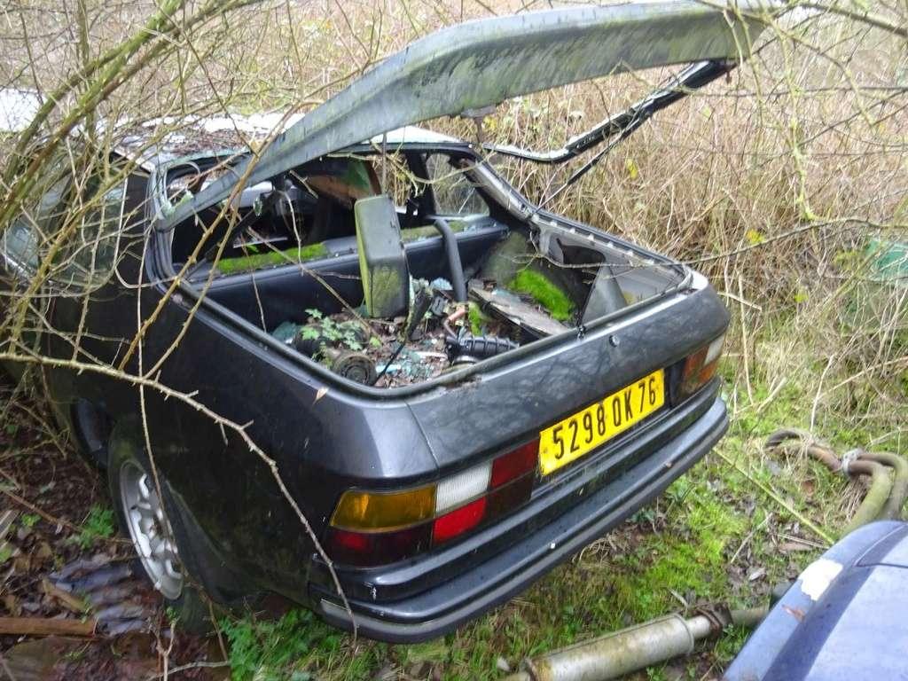Photos de Porsche à restaurer - Page 12 29745010