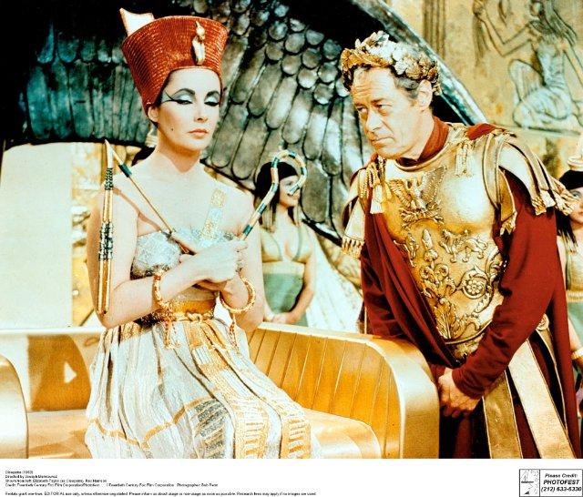 Cléopâtre, de Mankiewicz (1963).  Mv5bmz10