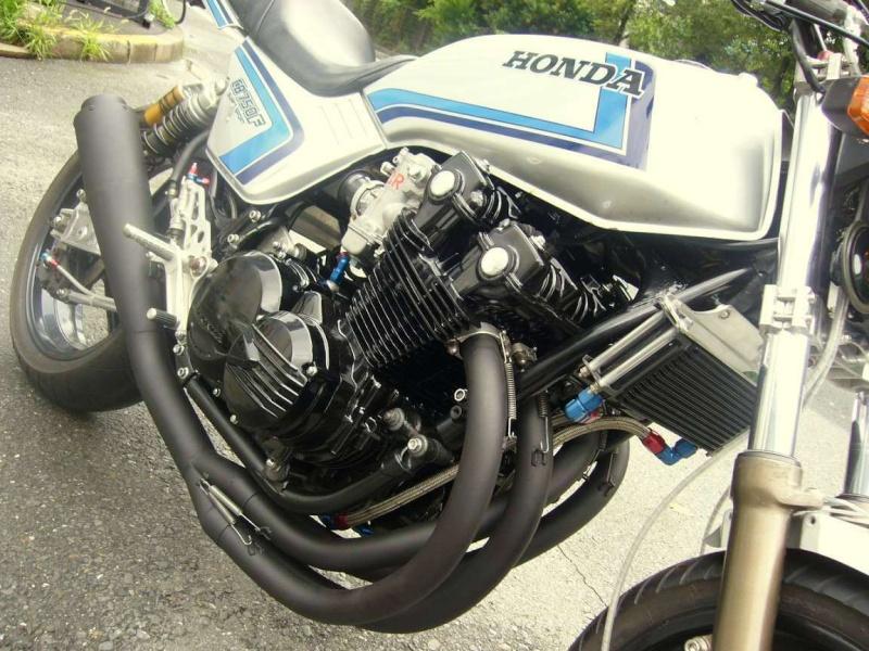 LA CLASSE POUR CETTE HONDA CB 750F Hondac12