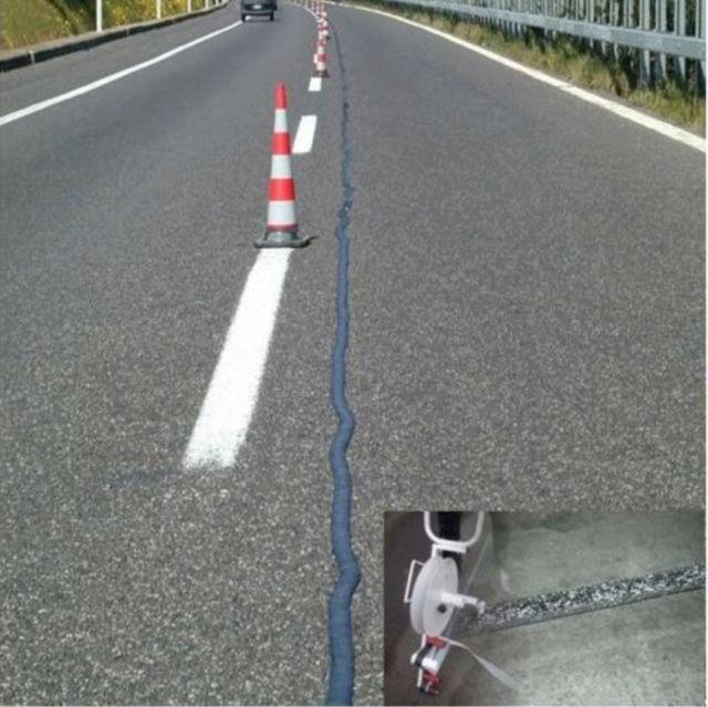 Joint bithume glissant sur les routes - Page 2 Captur24