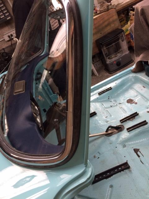 Restauration de la caravelle 1100S de juju - Page 30 Img_2111