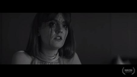 """[Court-métrage] Justine Le Pottier dans """"Je suis un cadeau empoisonné"""" Jesuis10"""
