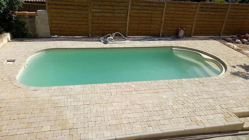 Nettoyage piscine verte avec dépôts au fond Piscin12
