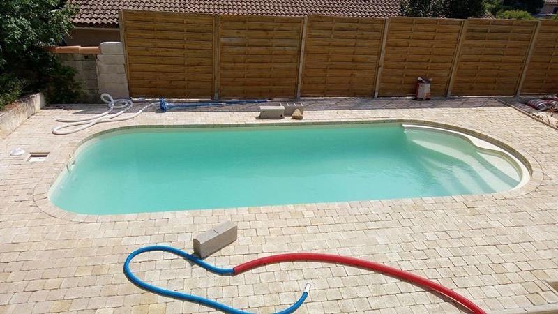 Nettoyage piscine verte avec dépôts au fond Piscin14