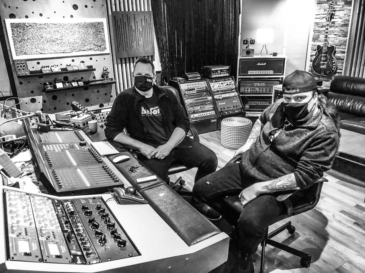 ABBATH entre en studio pour enregistrer un troisième album. 15159710