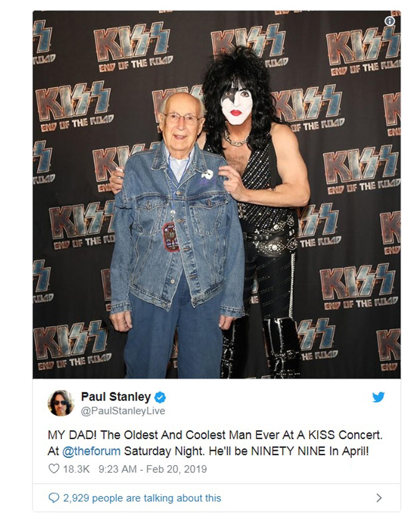 Le père de Paul Stanley (98 ans) assiste aux concert de KISS ! 159