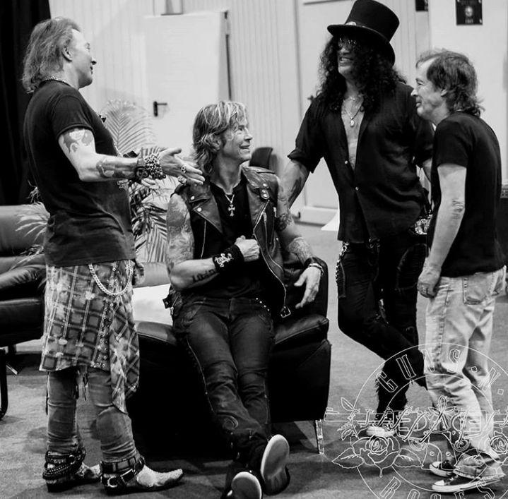 AC/DC a un nouveau chanteur ... 28870510