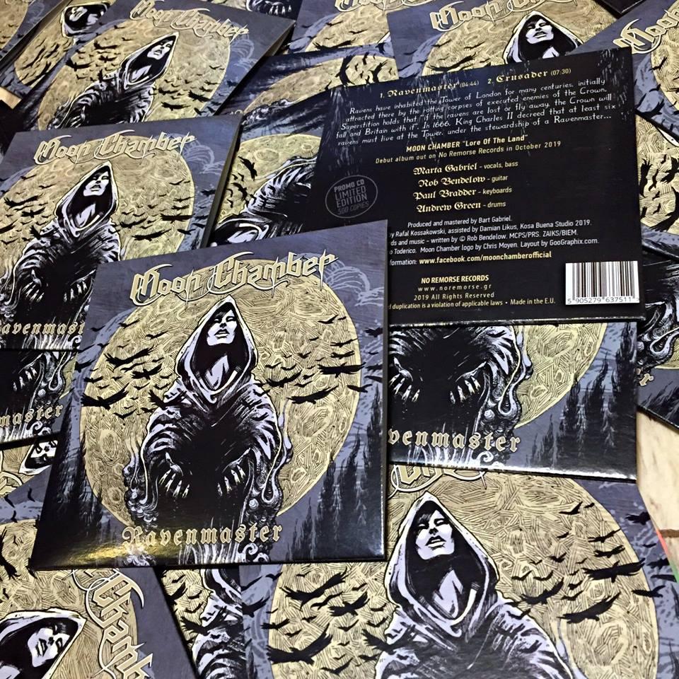 MOON CHAMBERS Ravenmaster (2019) Nouveau clip du groupe de MARTA GABRIEL ... 56910210