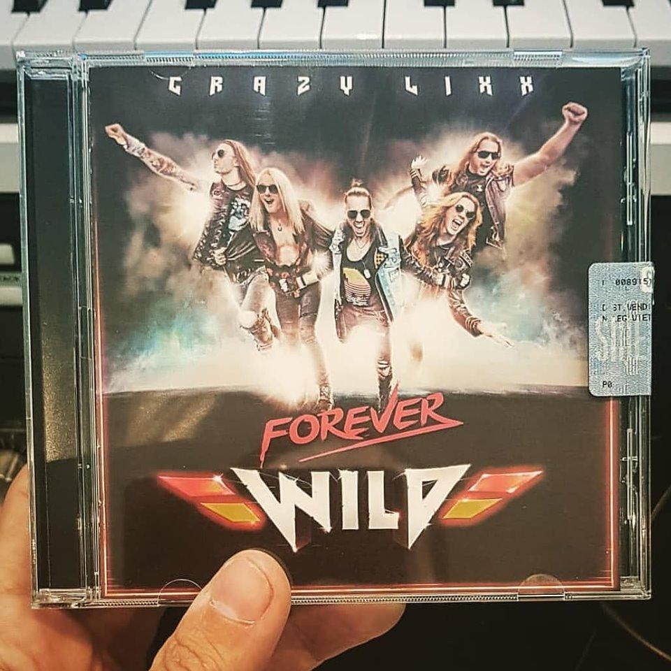 CRAZY LIXX Forever Wild (2019) Hard-Rock Suède 60002410