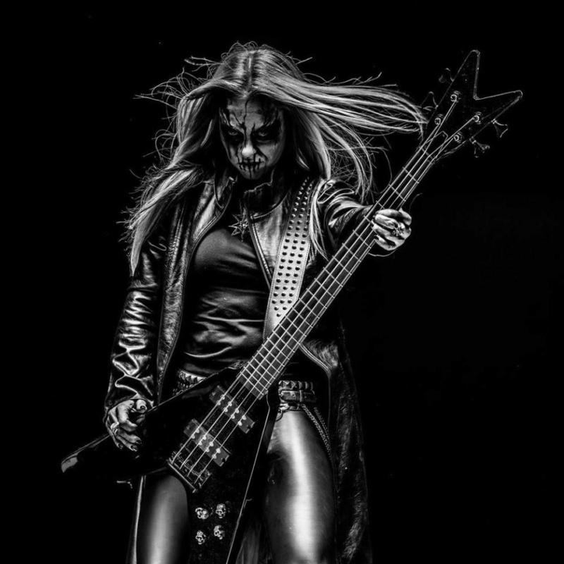 La bassiste d'ABBATH, Mia Wallace quitte le groupe ... 60082510
