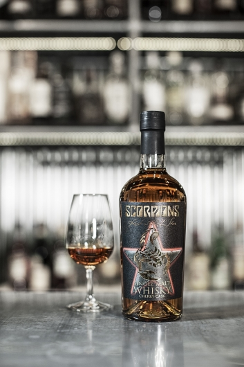 SCORPIONS sort à son tour son whisky ! 62664-10