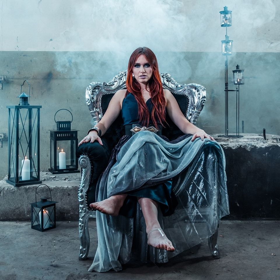 ILLUMISHADE : le nouveau projet musical de Fabienne Erni (ELUVEITIE) 75354910