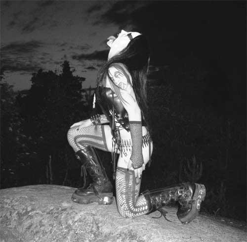 L'esthétique Metal - Page 4 Anguis10