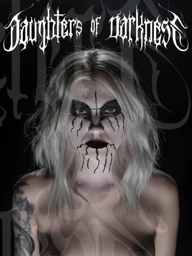 DAUGHTERS OF DARKNESS (Black Metal) du photographe JEREMY SAFFER à la vente le 30 octobre 2020 ... Book10
