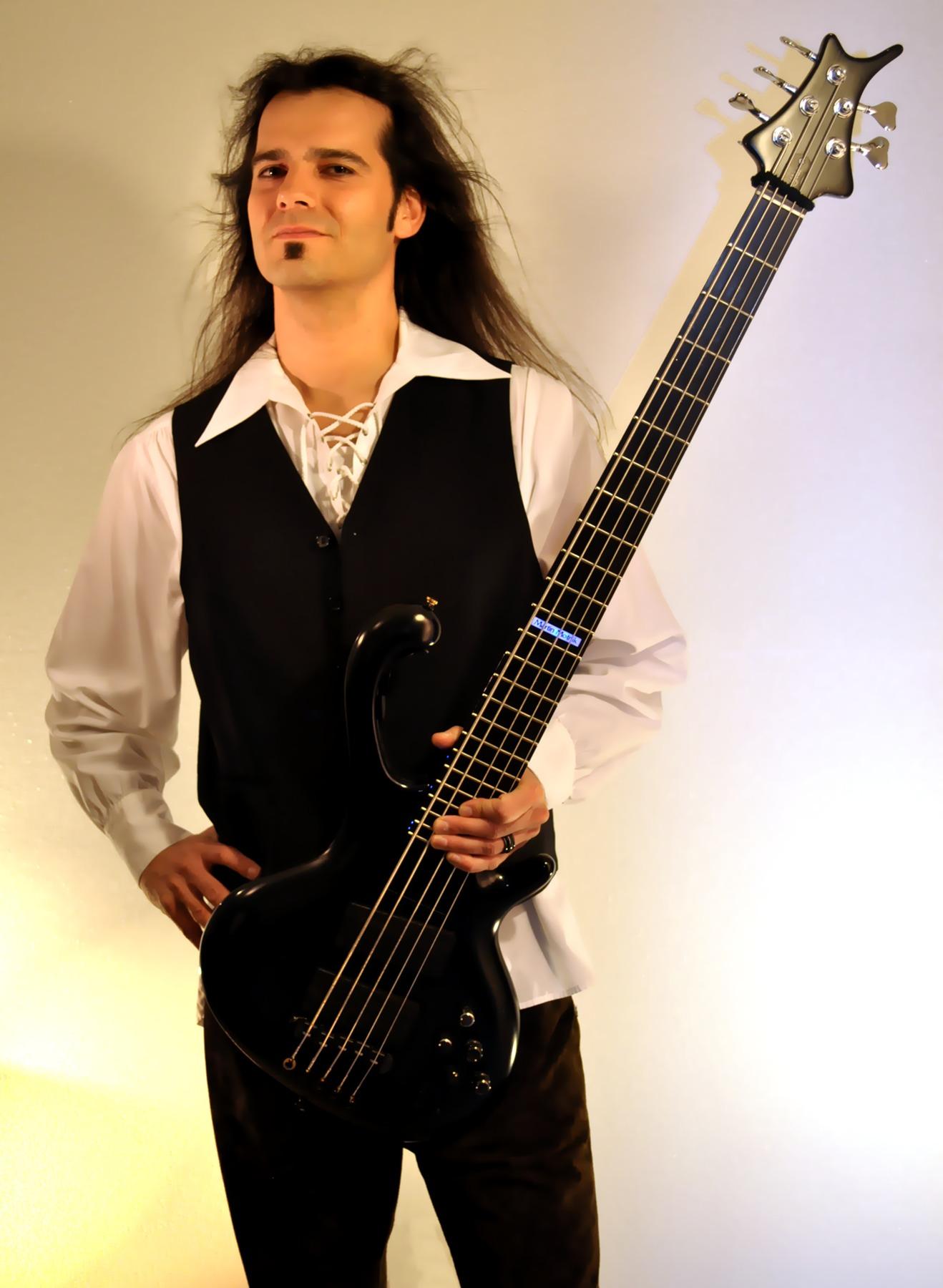 Un nouveau bassiste pour ACCEPT ... Martin10