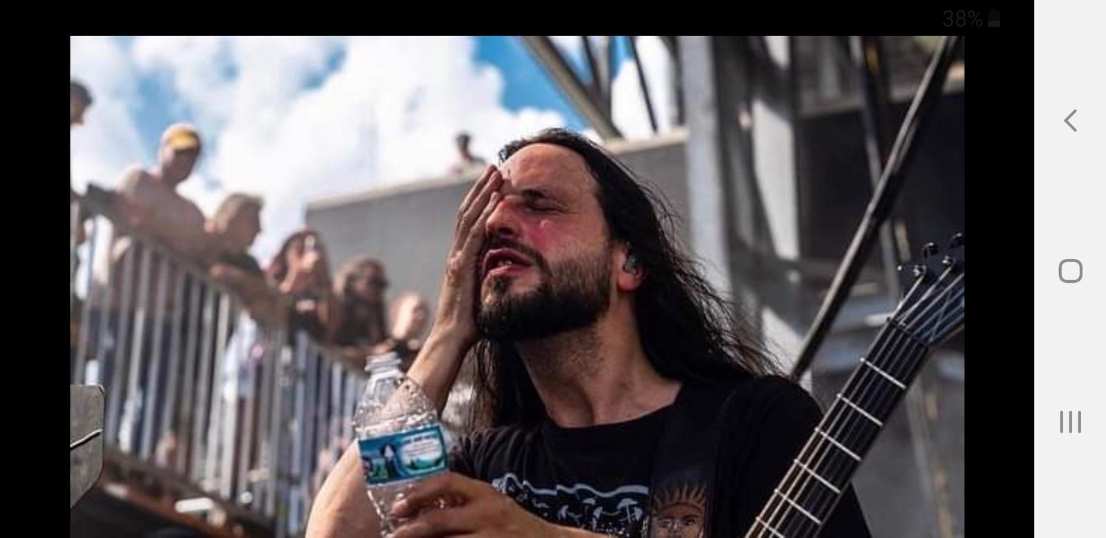 Christian Andreu (GOJIRA) s'est brulé le visage lors d'un concert ... Ob_a3210
