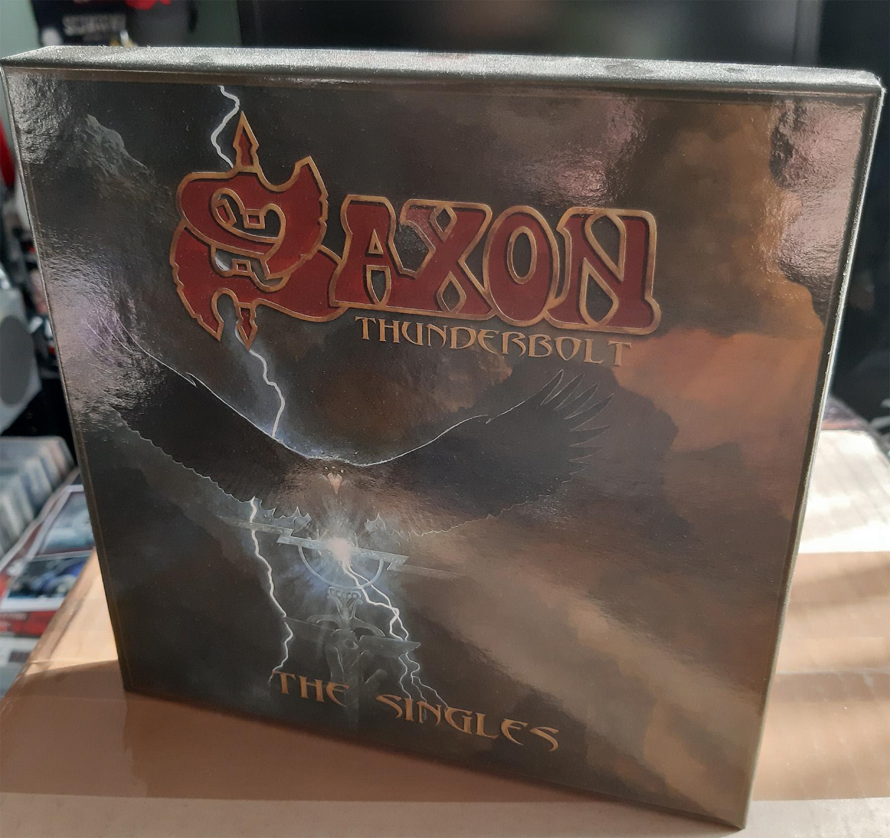 Vous avez des BOX CD ou/et Vinyles Collectors? Sans_258