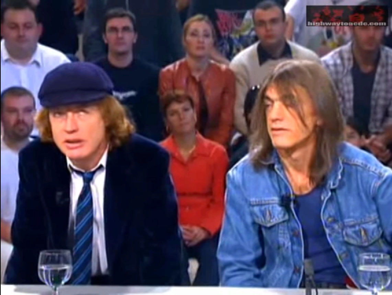 AC/DC à Nulle part ailleurs (Canal+) le 30 octobre 2000 (Archive) Sans_t85