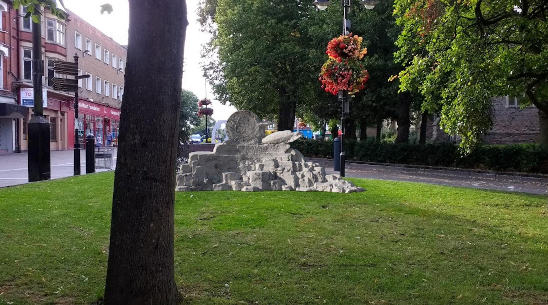 Hommage à JOHN BONHAM (défunt batteur de Led Zeppelin) sous forme de statue ... Screen11