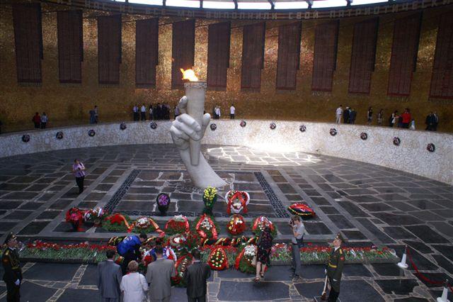 Volgograd, cérémonies commémorant la Victoire Mamaae11