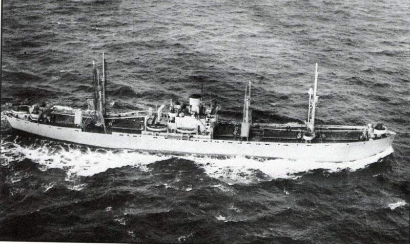 Reconversion d'un Liberty Ship en cargo civil John_c10