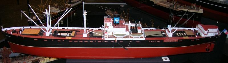 Reconversion d'un Liberty Ship en cargo civil Mpl210