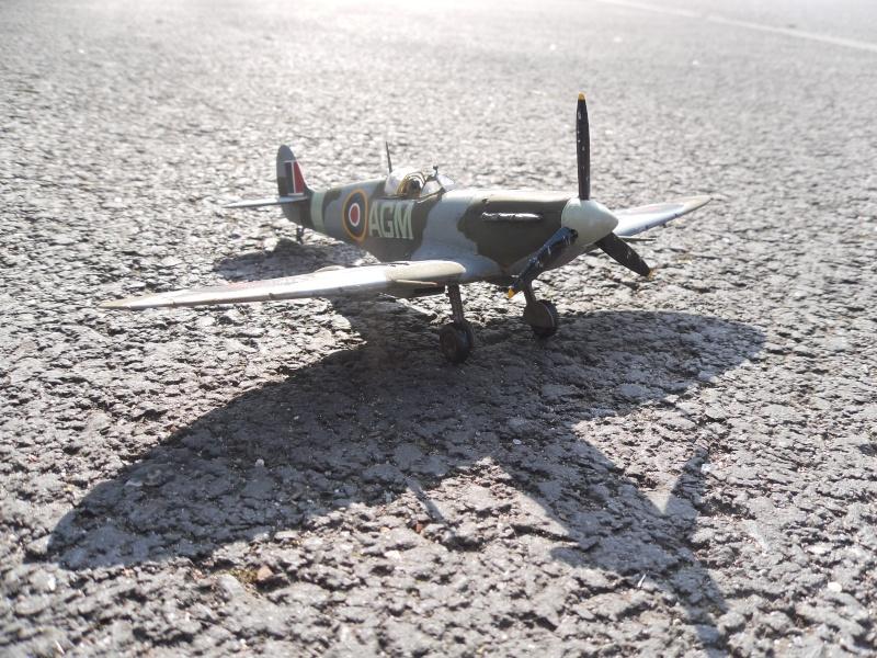 Spitfire Mk.VB Terminé !!! Sam_0025