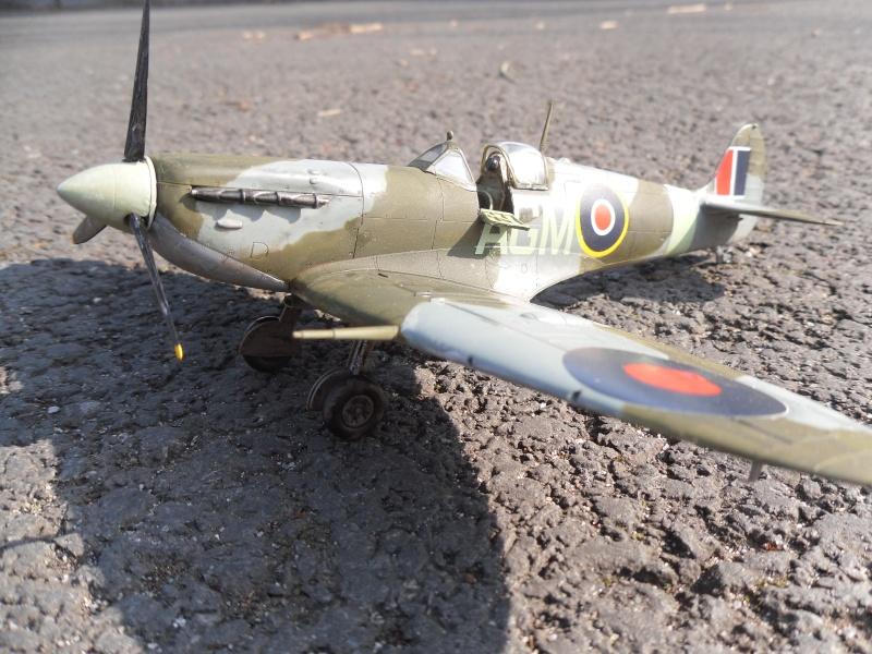 Spitfire Mk.VB Terminé !!! Sam_0026