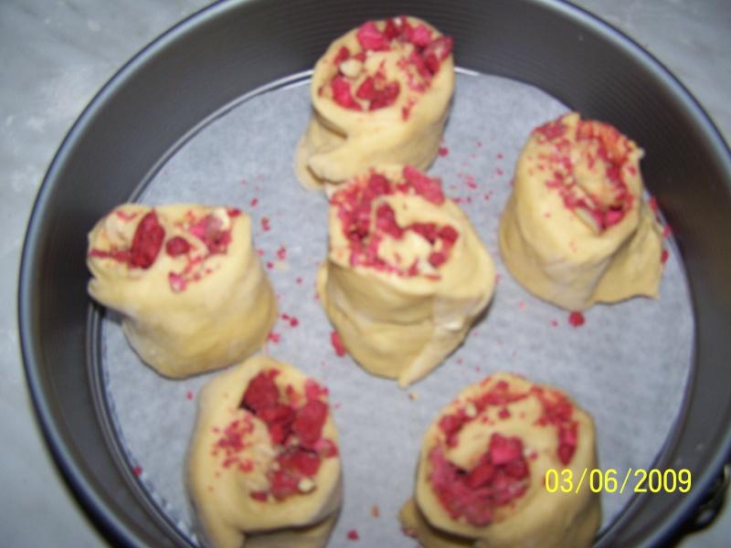 Brioche de St Génix ou Brioche aux pralines roses 100_5341