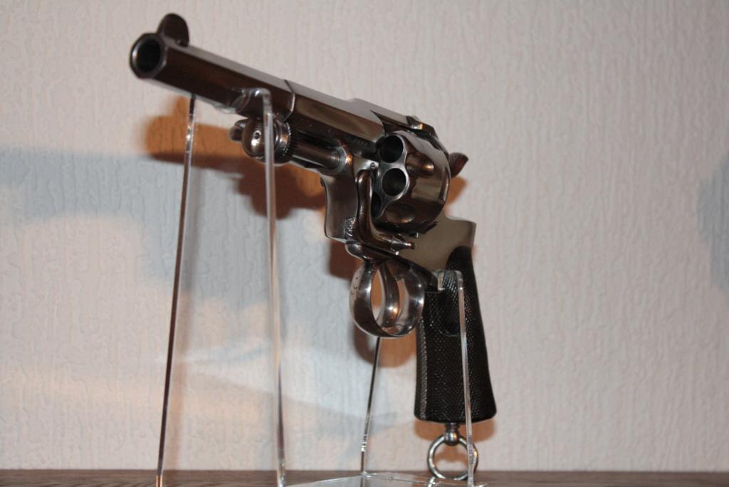 Revolver ... belge ? Img_2810