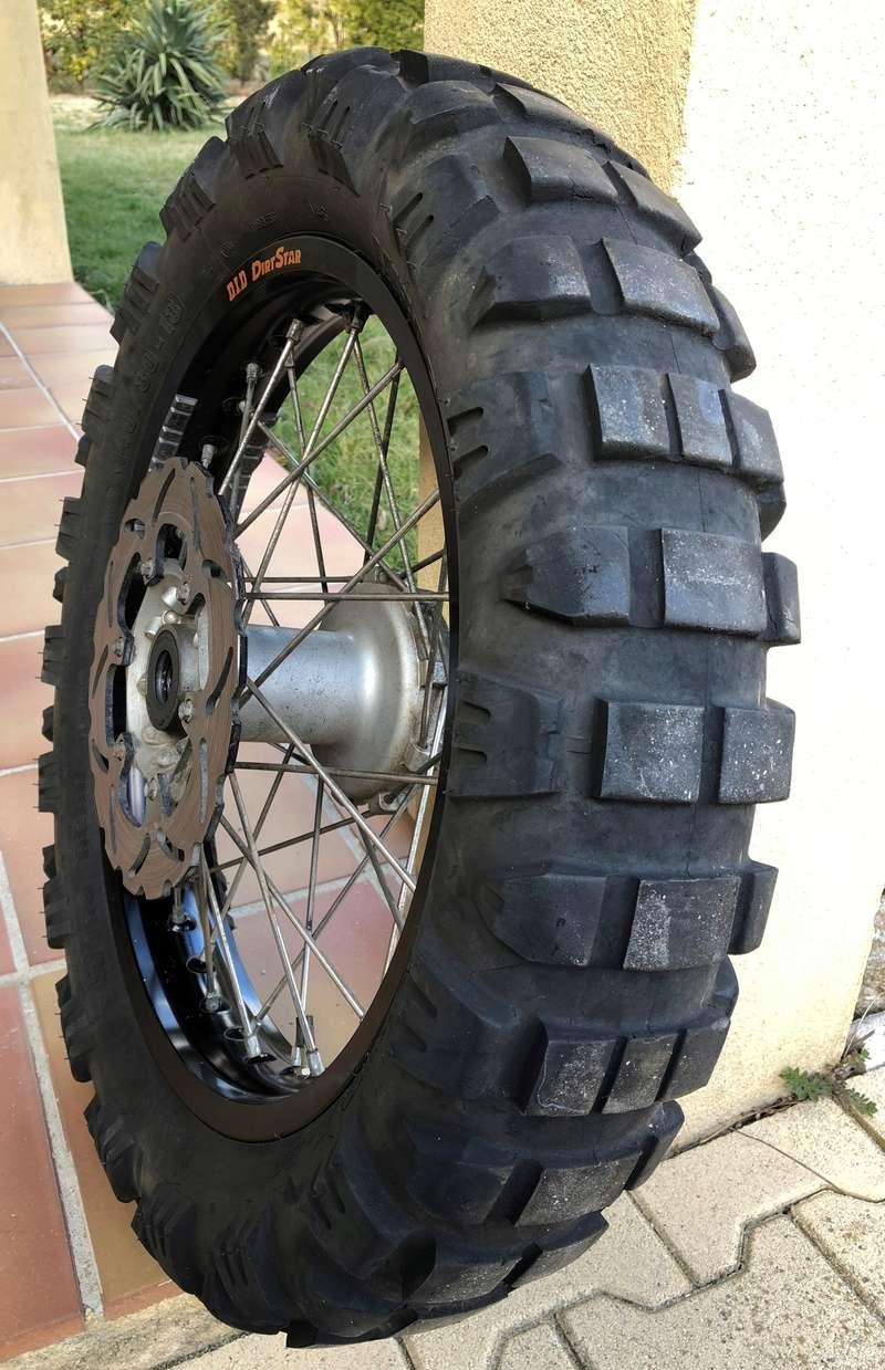 VENDUE /  roue arrière KTM 690 enduro Img_8610