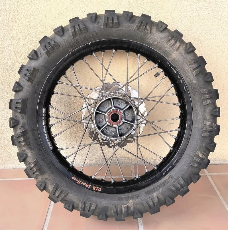 VENDUE /  roue arrière KTM 690 enduro Img_8612