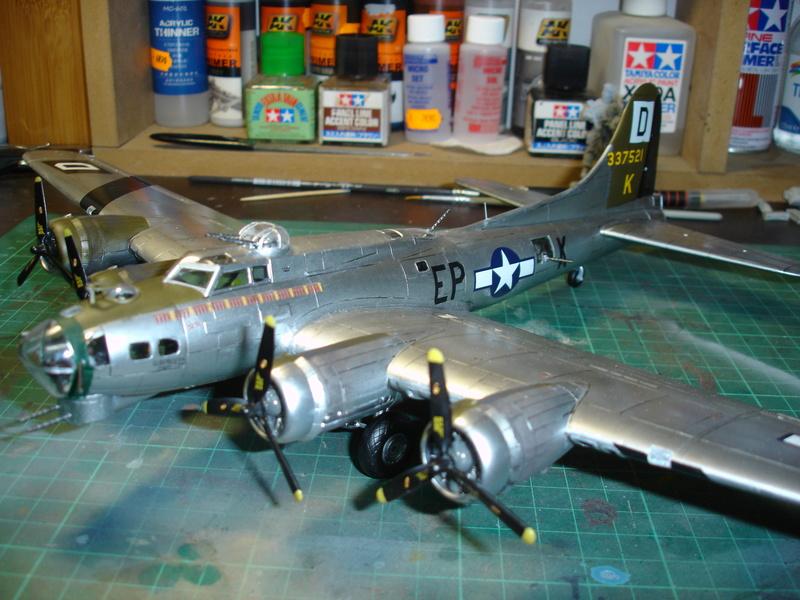 Boeing B-17G Flying fortress 1/72 Airfix Dsc00212