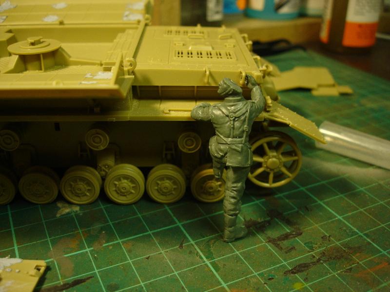 Flakpanzer IV Möbelwagen - Tamiya 1:35 - Page 2 Dsc00310