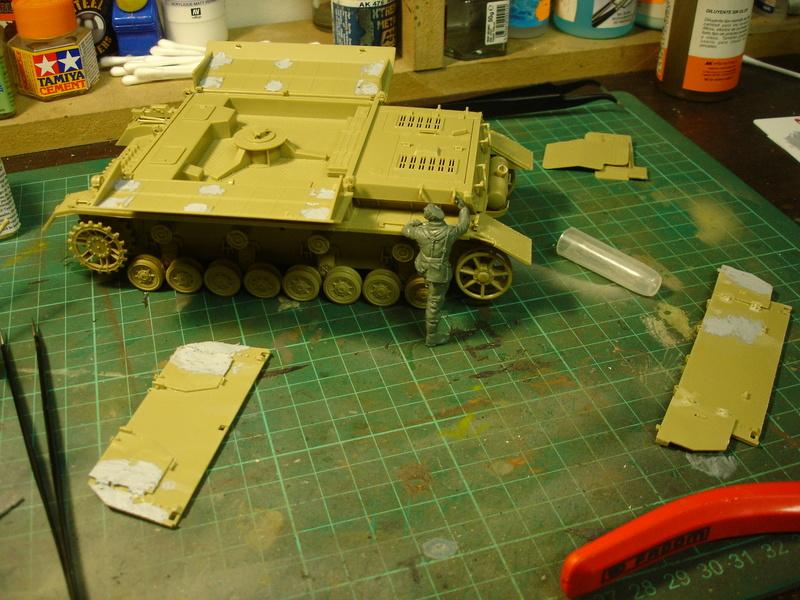 Flakpanzer IV Möbelwagen - Tamiya 1:35 - Page 2 Dsc00312