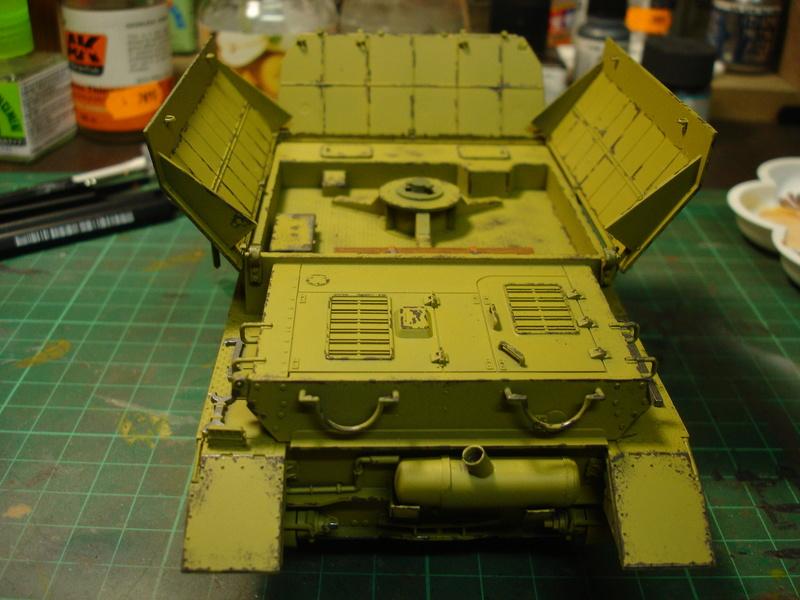 Flakpanzer IV Möbelwagen - Tamiya 1:35 - Page 2 Dsc00313