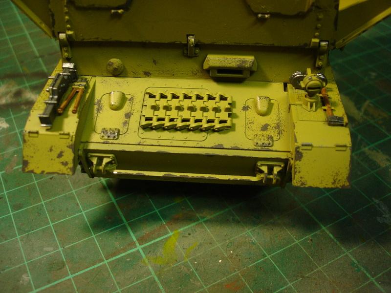 Flakpanzer IV Möbelwagen - Tamiya 1:35 - Page 2 Dsc00316