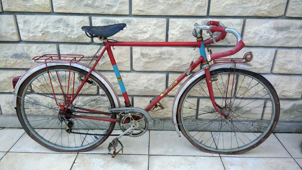 Motobécane cyclo-touriste Luxe début '60 Bytoby11