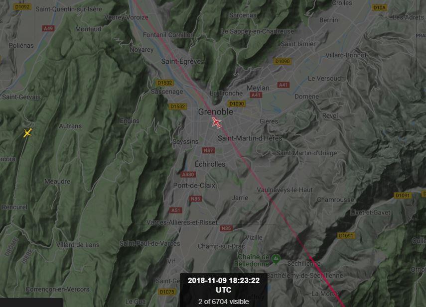 2018: le 09/11 à 18h30 - objet volant, ailé avec lumieres blanches alignées -  Ovnis à grenoble -Isère (dép.38) Grenob10