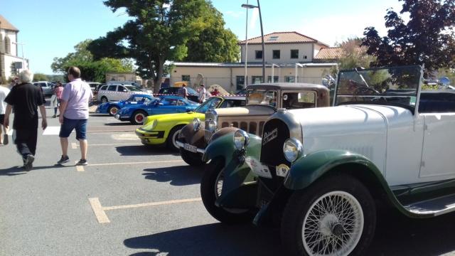 Exposition de voitures anciennes + vide grenier à Beauregard Vendon le 9 septembre 2018  20180922
