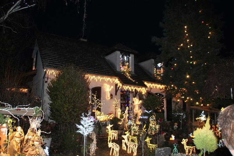 Illuminations de Noël le dimanche 17 décembre - Page 2 Img_7013